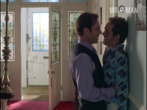 Bedroomsandhallways tomhollander hugoweaving hd 01 large 3