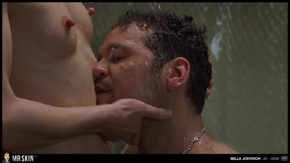 Milla jovovich pointy nipples naker foto 474