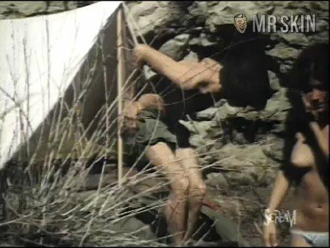 Massacre ogrady 01 frame 3