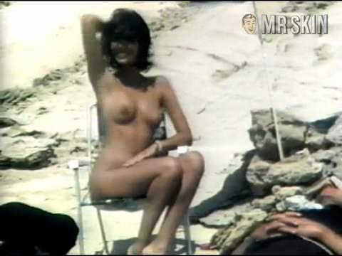 Betty verges nackt
