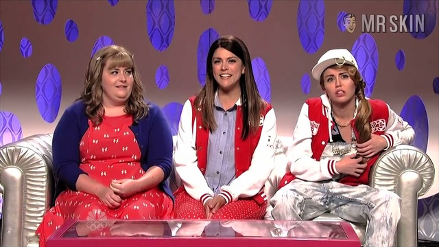 Ms snl 10 05 2013 cyrus hd 01 large thumbnail 3 override