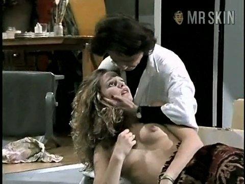 Kaley cuoco bare tits