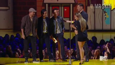 Mtvmovieawards 2015 lopez hd 01 large 3