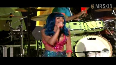 Mtv 2010 perry 1 hd large 3