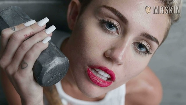 Wreckingball miley hd 01 large thumbnail 3 override