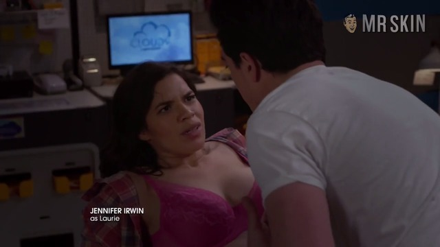 Superstore 03x22 americaferrera hd 01 large thumbnail 3 override