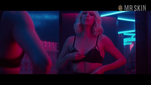Atomicblonde br theron hd 07 large thumbnail 3 override
