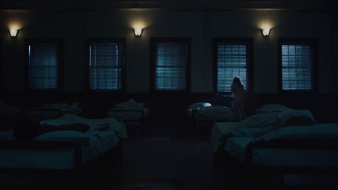 Handmaidstalethe1x01 br brewer hd 01 large 1